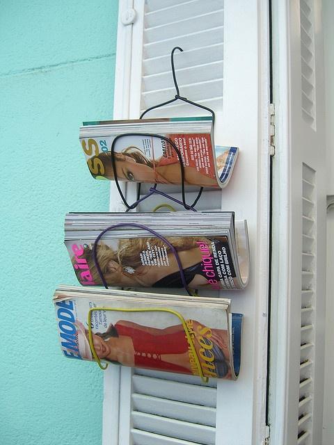 cintre porte magazine