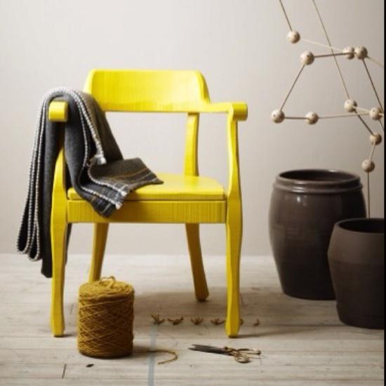 jaune chaise