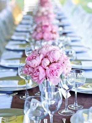 rose bonbon table